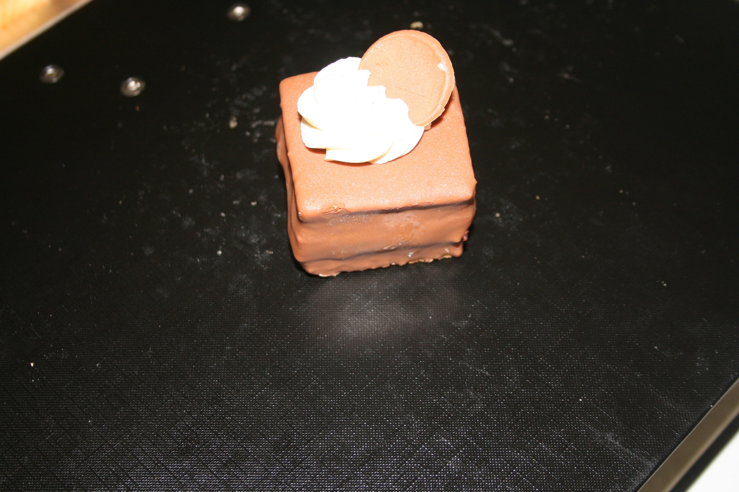 choc petit four- grand marnier